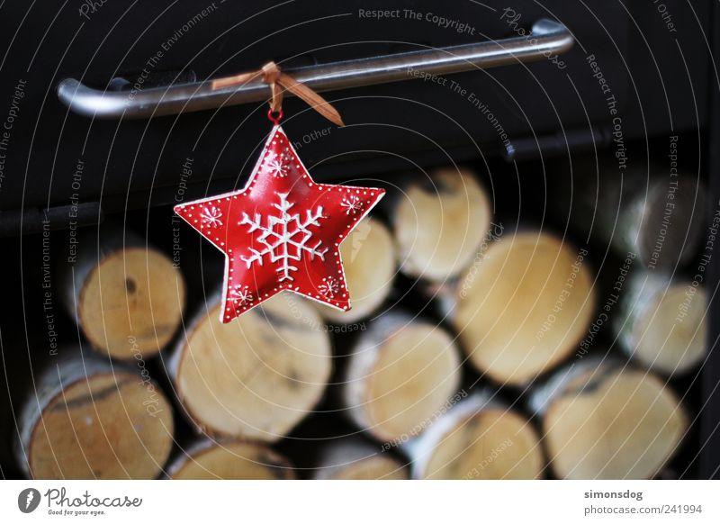 ein stern Feste & Feiern Häusliches Leben dunkel Fröhlichkeit Stimmung Glück Vorfreude Stern (Symbol) Weihnachtsstern leuchten Schneeflocke Holz Birkenholz