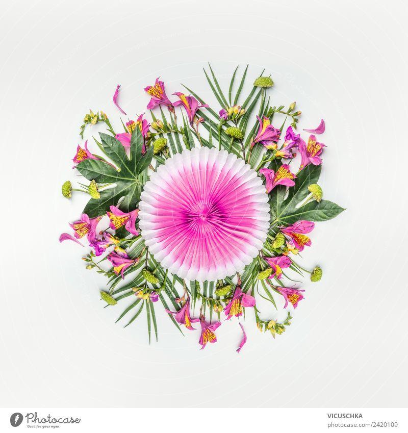 Sommer. Tropische Blumen und Palmenblätter Composing. Natur Ferien & Urlaub & Reisen Pflanze grün weiß Blatt Blüte Stil Mode Party rosa Design