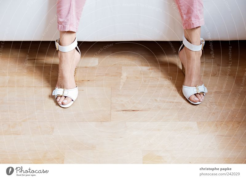 Sprint zur Bahn... feminin Holz Fuß Wohnung Wohnzimmer Leder Damenschuhe Schuhe