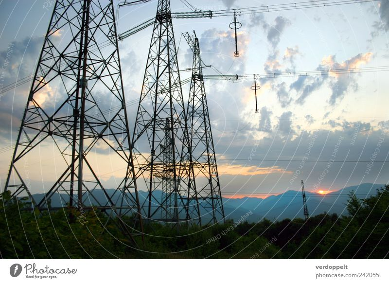 Abend Natur Himmel Pflanze Sommer Wolken Wald Berge u. Gebirge Landschaft Umwelt Energie Horizont Energiewirtschaft Klima Nachthimmel Schönes Wetter