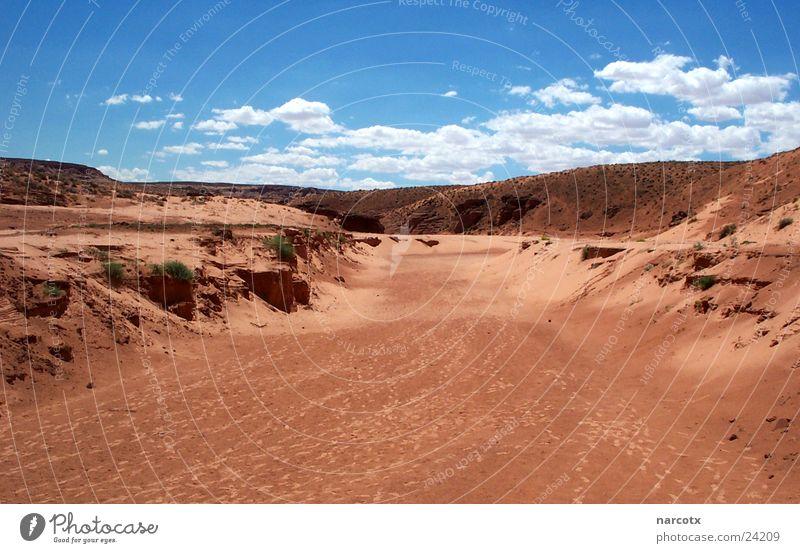 flash flood area rot Wolken Tod Stein Wärme Sand Erde leer USA Fluss Wüste Physik Amerika Schlucht getrocknet Page