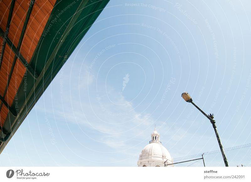 Triangulation Himmel Sonnenlicht Sommer Schönes Wetter Lissabon Portugal Altstadt Kirche Architektur Dach Sehenswürdigkeit Denkmal panteao ästhetisch