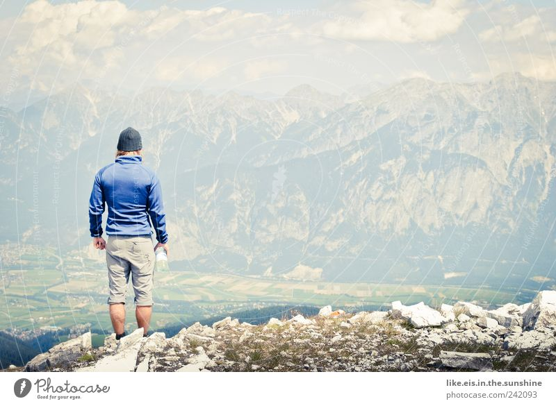 als columbus innsbruck entdeckte... Mensch Mann Sommer Erwachsene Ferne Landschaft Berge u. Gebirge Zufriedenheit Kraft Felsen Ausflug wandern maskulin