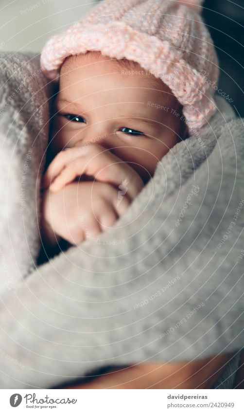 Frau Kind Mensch schön Hand Erholung ruhig Erwachsene Wärme Lifestyle Leben Liebe klein Textfreiraum rosa Kindheit