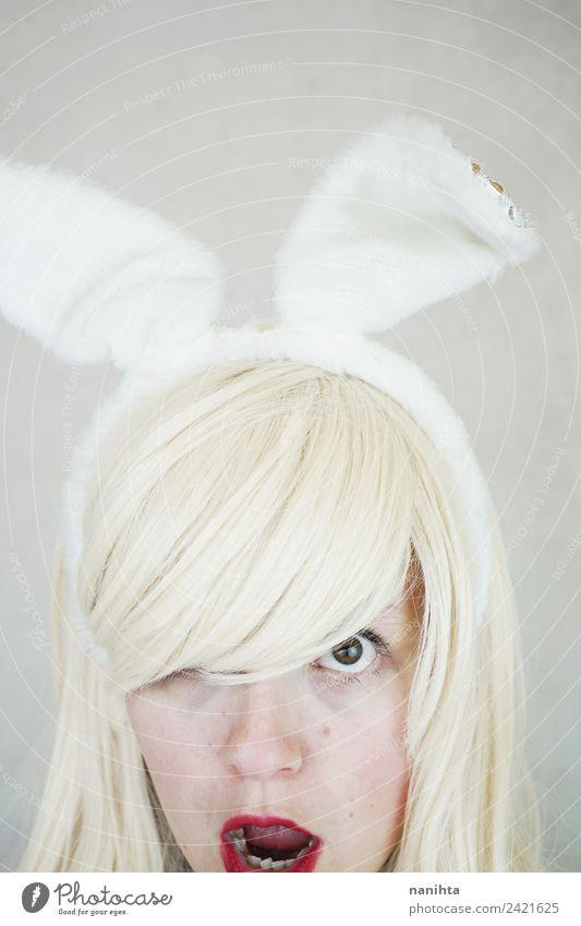 Junge blonde Frau mit Kaninchenohren Stil exotisch Haare & Frisuren Haut Gesicht Lippenstift Feste & Feiern Karneval Ostern Erntedankfest Mensch feminin