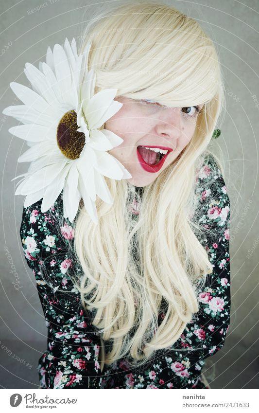 Mensch Jugendliche Junge Frau schön Freude 18-30 Jahre Gesicht Erwachsene Lifestyle Blüte lustig feminin lachen Stil Mode Haare & Frisuren