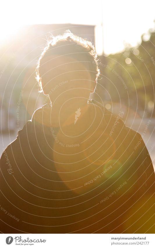 mein engel. maskulin Fußgängerzone Kraft Hoffnung Glaube träumen Farbfoto Dämmerung Licht Kontrast Silhouette Reflexion & Spiegelung Lichterscheinung