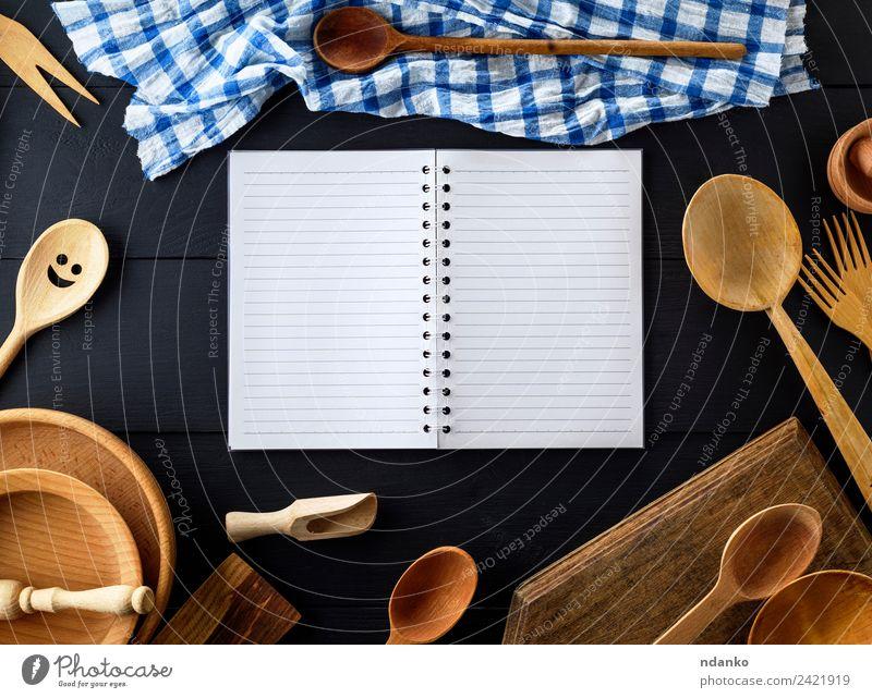 weiß schwarz Holz braun oben retro offen Tisch Papier Küche Tradition Geschirr Teller Werkzeug Schneidebrett Haushalt