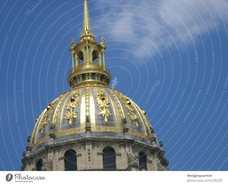 Paris Architektur Turmspitze historisch Gebäude Frankreich gold Himmel Spitze Bogen