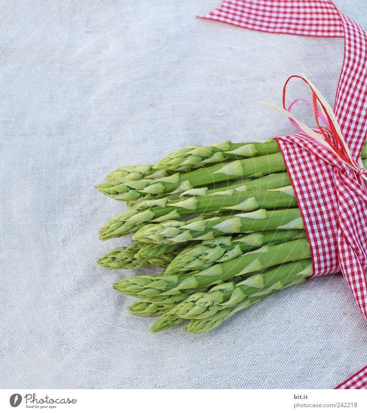 grüner Spargel grün Leben Gesunde Ernährung Frühling natürlich Feste & Feiern liegen Lebensmittel wild frisch Ernährung Schnur Landwirtschaft Gemüse Bauernhof Wohlgefühl