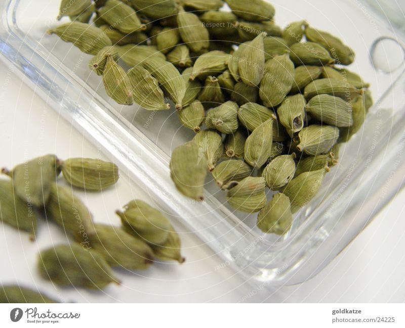 kardamom grün Ernährung Lebensmittel Gesundheit süß Kräuter & Gewürze lecker Geruch exotisch Samen Dose Geschmackssinn Vorrat Foodfotografie Asiatische Küche
