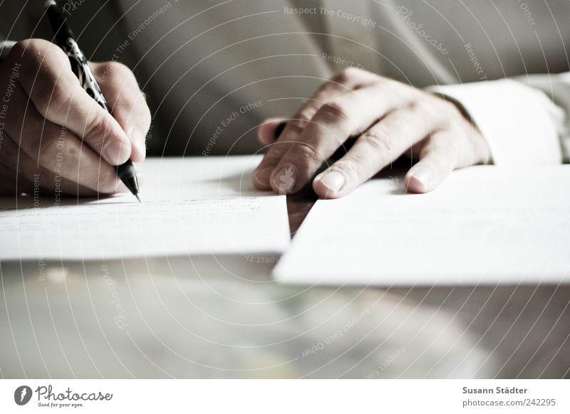 Liebeserklärung Mann Hand Finger Kommunizieren schreiben Hemd Schreibstift Zettel Gedanke schick Denken Tagebuch Liebesbrief Männerhand handschriftlich