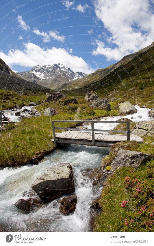 bridge over troubled water Himmel Natur Wasser Pflanze Sommer Freude Blume Wolken Berge u. Gebirge Landschaft Wege & Pfade Luft Wellen wandern Brücke Alpen