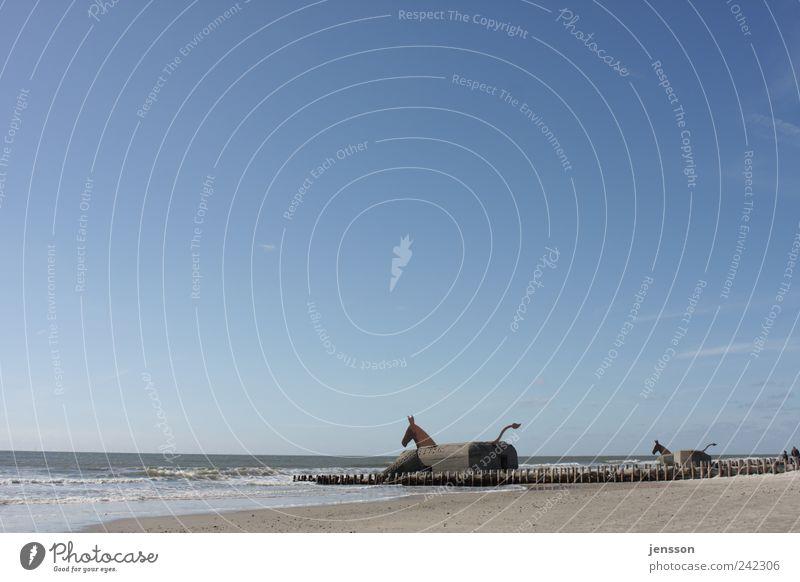 Trojaner Ferien & Urlaub & Reisen Tourismus Sommer Strand Meer Umwelt Natur Landschaft Himmel Küste Nordsee blau Sicherheit Schutz Krieg Bunker Militär