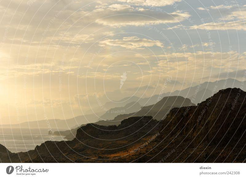 So weit, so gut! Ferien & Urlaub & Reisen Tourismus Freiheit Sommer Sommerurlaub Meer Insel Urelemente Erde Wasser Himmel Wolken Felsen Berge u. Gebirge Gipfel