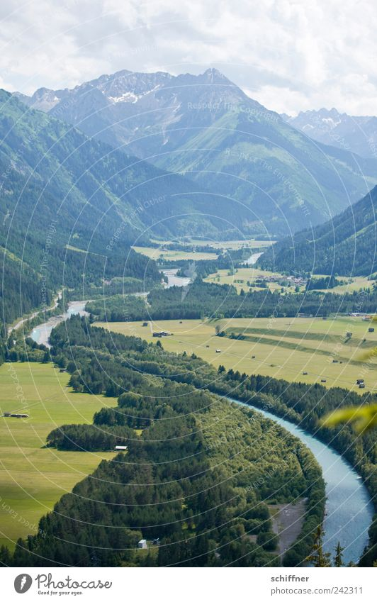 Do lechsd di nida! Natur Himmel Wolken Sommer Schönes Wetter Wald Hügel Alpen Berge u. Gebirge Gipfel Fluss außergewöhnlich schön Aussicht Fluss Lech Lechtal
