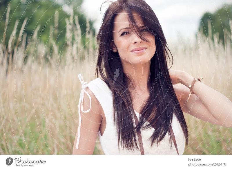 #242478 Stil Ausflug Freiheit Sommer Frau Erwachsene Natur Pflanze Kleid Accessoire brünett langhaarig beobachten festhalten träumen natürlich retro schön
