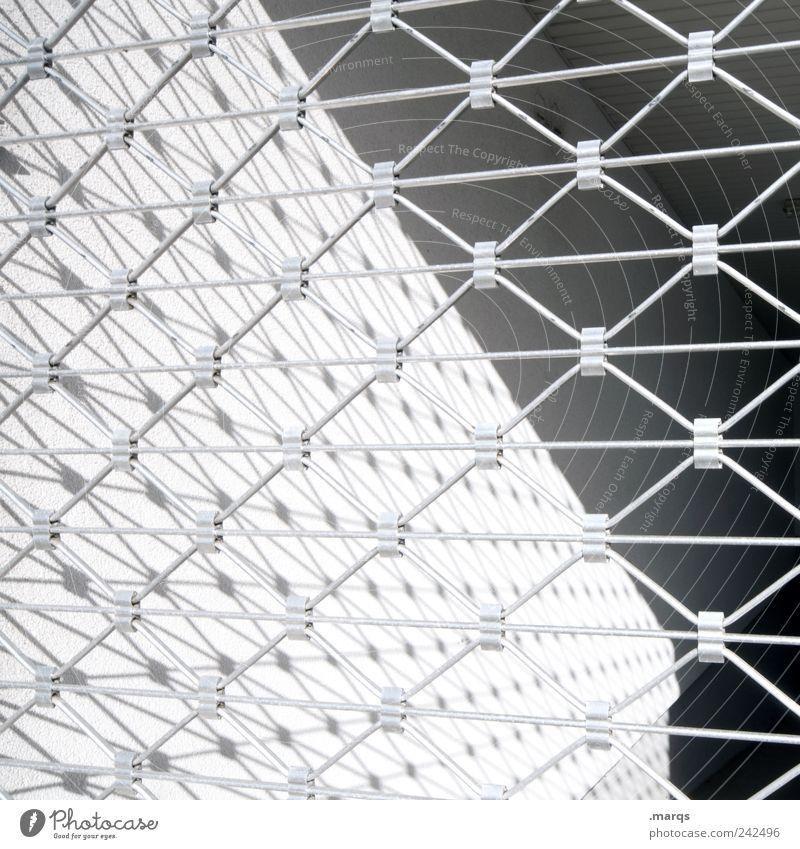 Fence Stil Design Zaun Begrenzung Linie Streifen einfach grau schwarz weiß Ordnung Perspektive Schwarzweißfoto Außenaufnahme Nahaufnahme abstrakt Muster