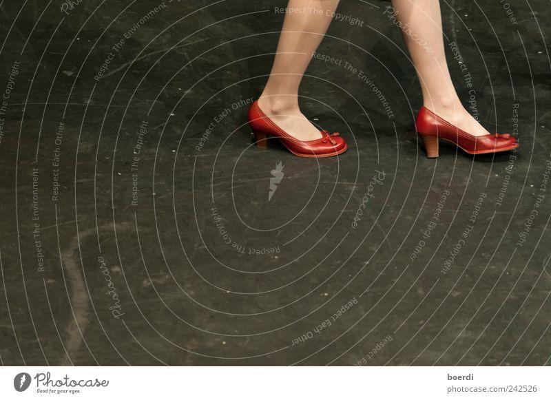 rEdshoe schön rot Schuhe Stimmung gehen ästhetisch