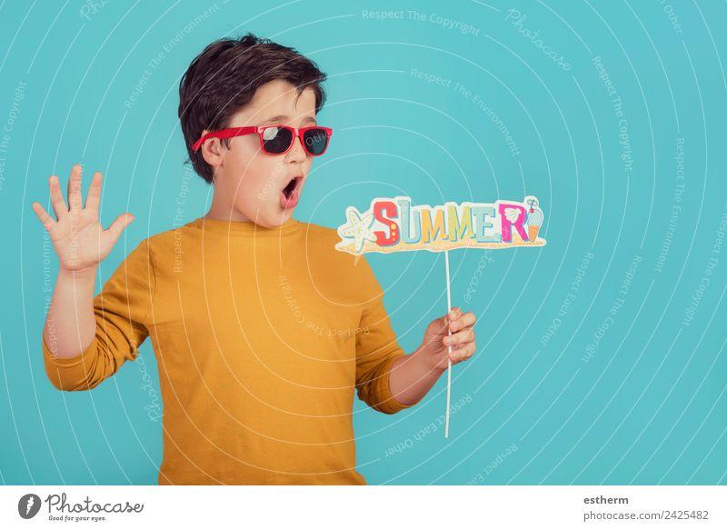 Sommer, lustiges Kind mit Sonnenbrille Lifestyle Freude Ferien & Urlaub & Reisen Tourismus Ausflug Abenteuer Sommerurlaub Strand Mensch maskulin Kleinkind Junge