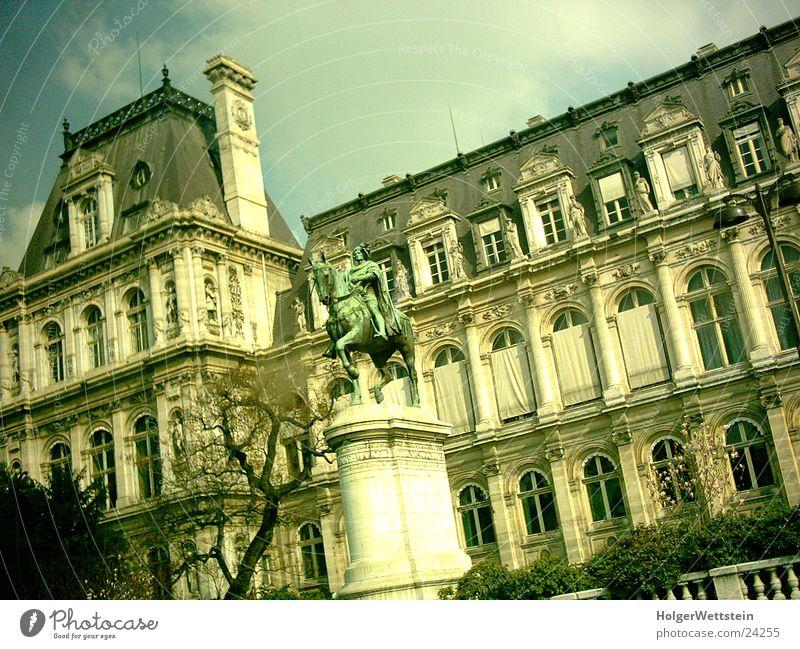 Paris - Gebäude Mensch Kultur Frankreich gruselig Statue Architektur historik tönfolie Farbe
