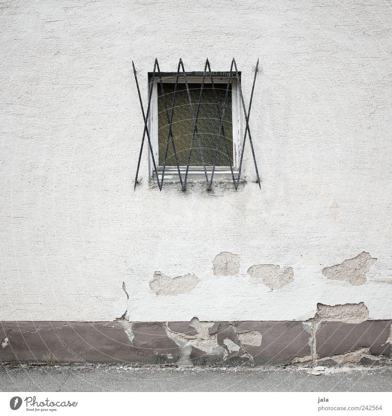 XXXXX Haus Wand Fenster Mauer Fassade trist Vergänglichkeit