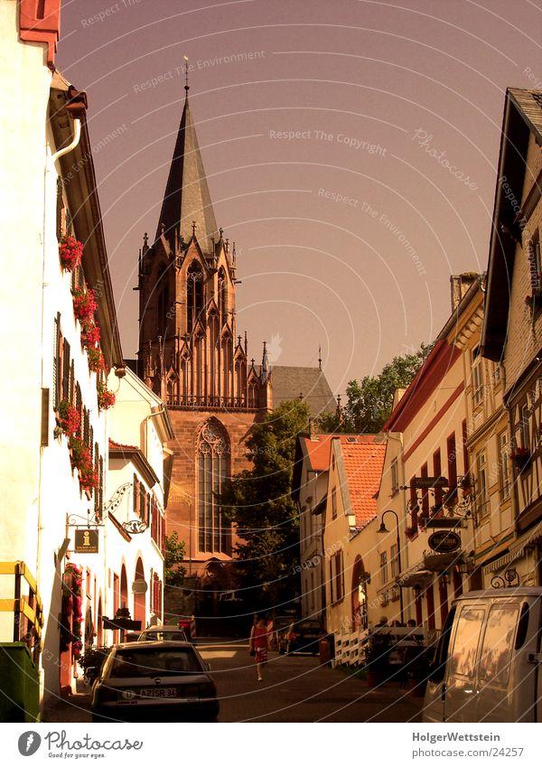 Gotik-Kirche Licht Romantik historisch Gasse Stadt Architektur Religion & Glaube Straße oppenheim katharinenkirche Altstadt Wege & Pfade