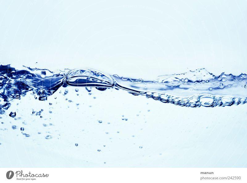 Wasserwelle Wasser blau Wellen nass frisch Trinkwasser Getränk Wellness authentisch Sauberkeit rein Klarheit natürlich Luftblase sprudelnd durchscheinend