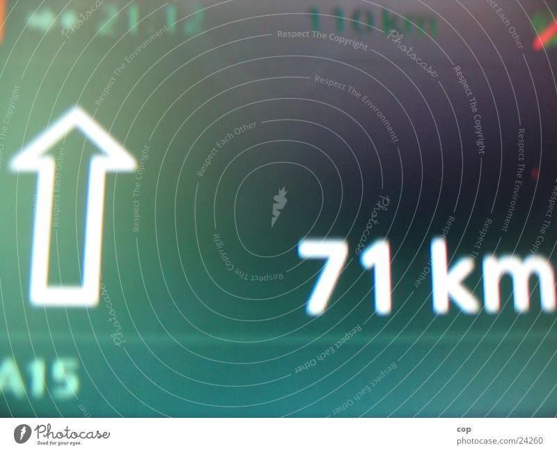 Gib Gummi Manne! Navigation TFT-Bildschirm Navigationssystem geradeaus grün Verkehr PKW Routenplanung Anzeige