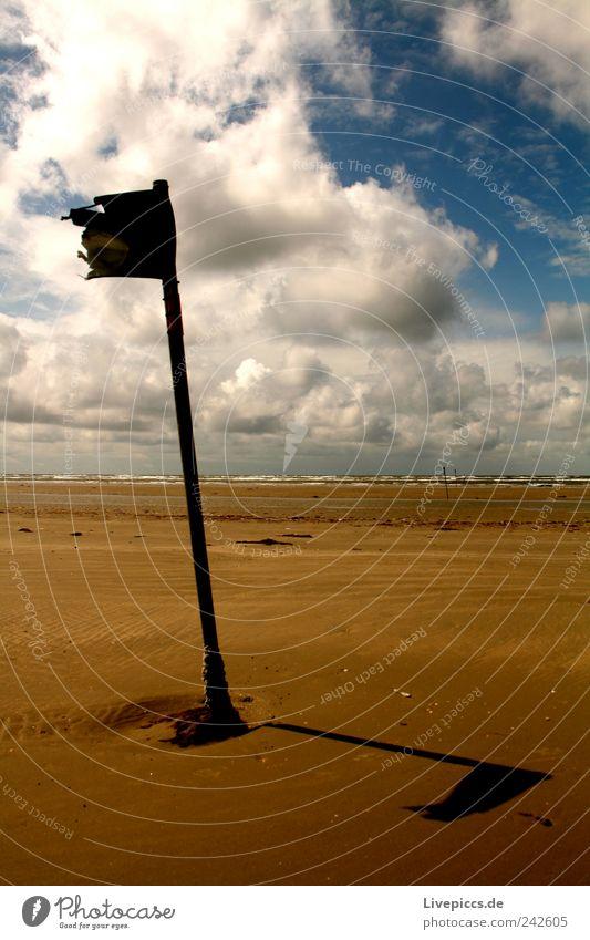 Capture The Flag! Natur Wasser blau Sommer Ferien & Urlaub & Reisen Strand Meer schwarz gelb grau Sand Küste Luft Wellen Insel Nordsee