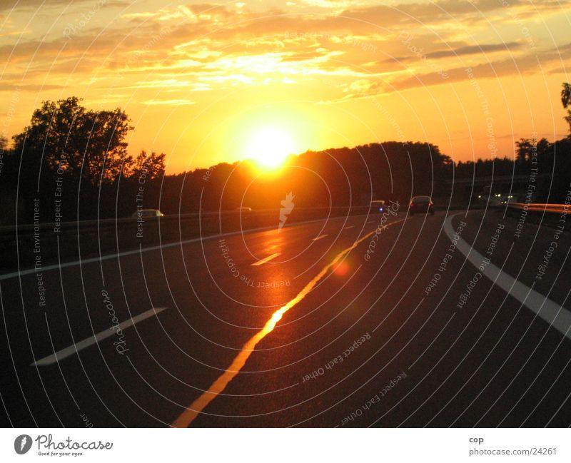 The Day After schwarz Wolken PKW orange Schilder & Markierungen Verkehr Geschwindigkeit Asphalt Sonnenuntergang