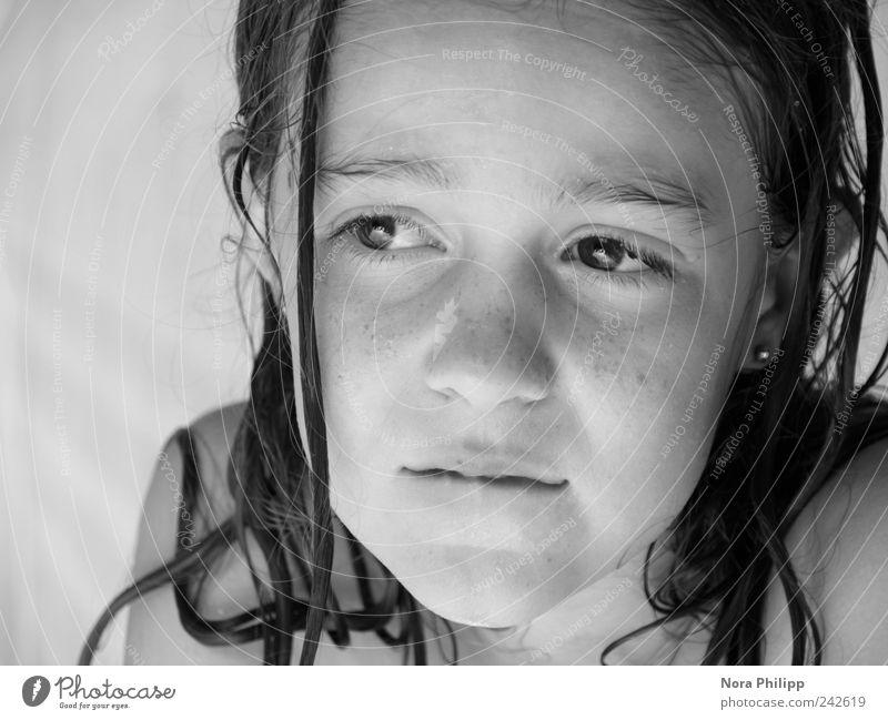 princess thoughts Haare & Frisuren Gesicht Mensch Mädchen Kindheit Leben Auge Nase Mund 1 3-8 Jahre langhaarig Denken träumen Verschwiegenheit Vorsicht