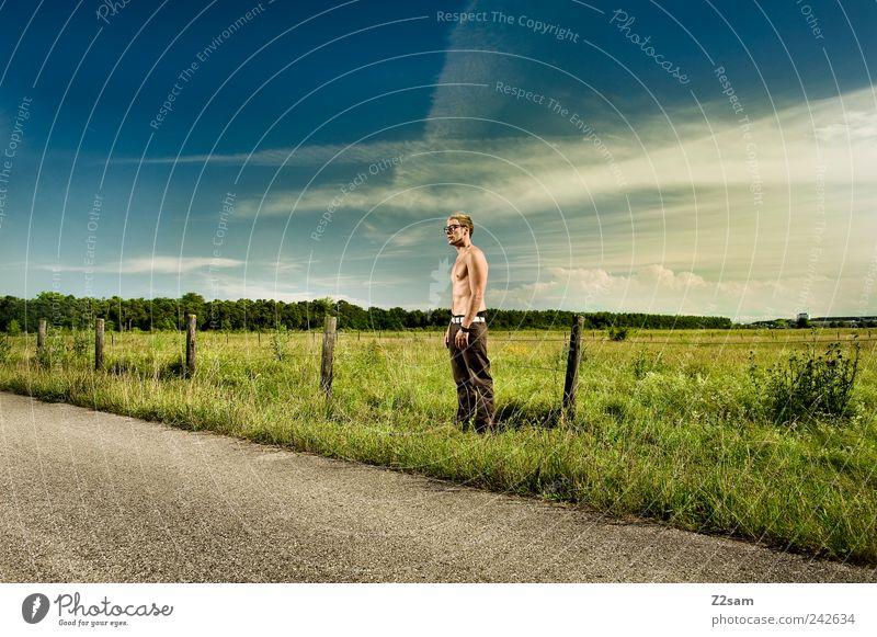 clark kent Lifestyle elegant Stil Mensch Junger Mann Jugendliche 1 18-30 Jahre Erwachsene Umwelt Natur Landschaft Himmel Sommer Schönes Wetter Brille blond