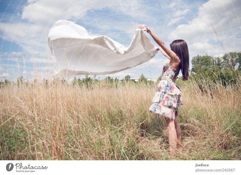 #242667 Frau Himmel schön Sommer Freude Wolken Erwachsene Erholung Leben Freiheit Landschaft Mode Feld Wind natürlich ästhetisch