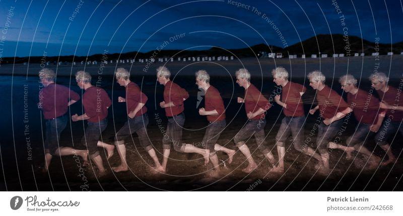 time after time Mensch Himmel Ferien & Urlaub & Reisen Mann Wasser Meer Freude Strand Erwachsene Umwelt Bewegung Menschengruppe maskulin Aktion ästhetisch 45-60 Jahre