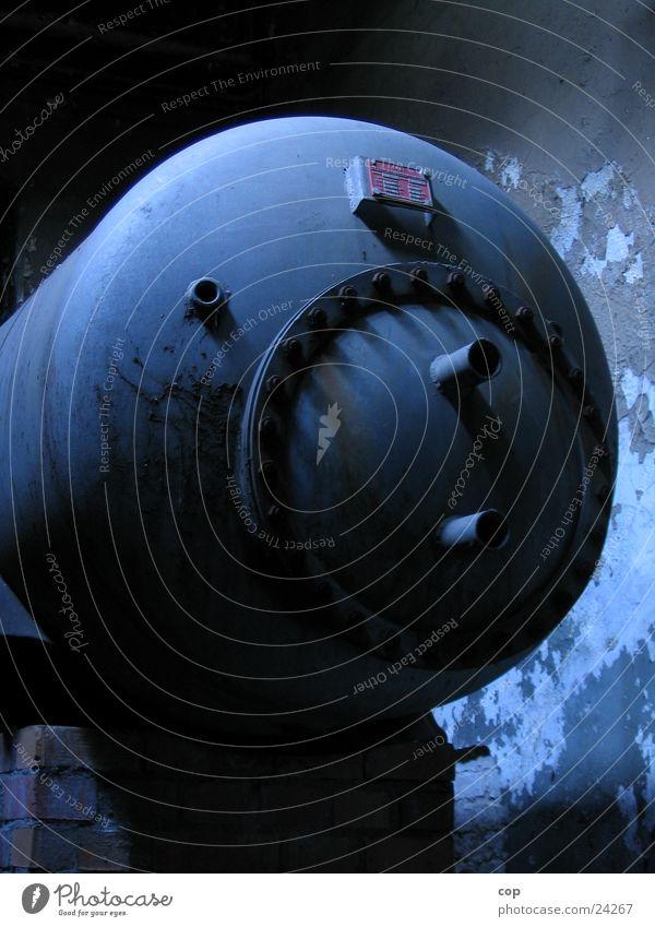 U-Boot Industrie gefährlich bedrohlich Stahl Druck Chemie Tank Produktion