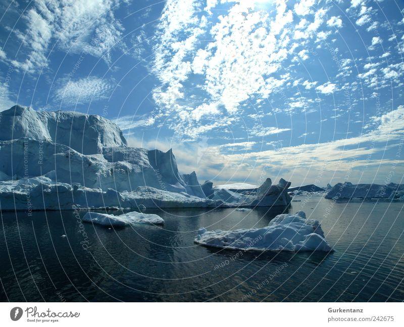 Eisblaue Geschichten Natur Wasser Himmel Meer blau ruhig Wolken Ferne Landschaft Eis Frost Klima Urelemente Klimawandel Fjord Eisberg