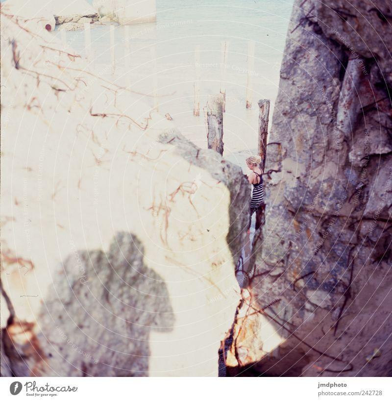 Steinstrand Ferien & Urlaub & Reisen Meer Sommer Strand Einsamkeit Ferne Freiheit Glück Sand Küste Zufriedenheit gehen Felsen Abenteuer Tourismus beobachten