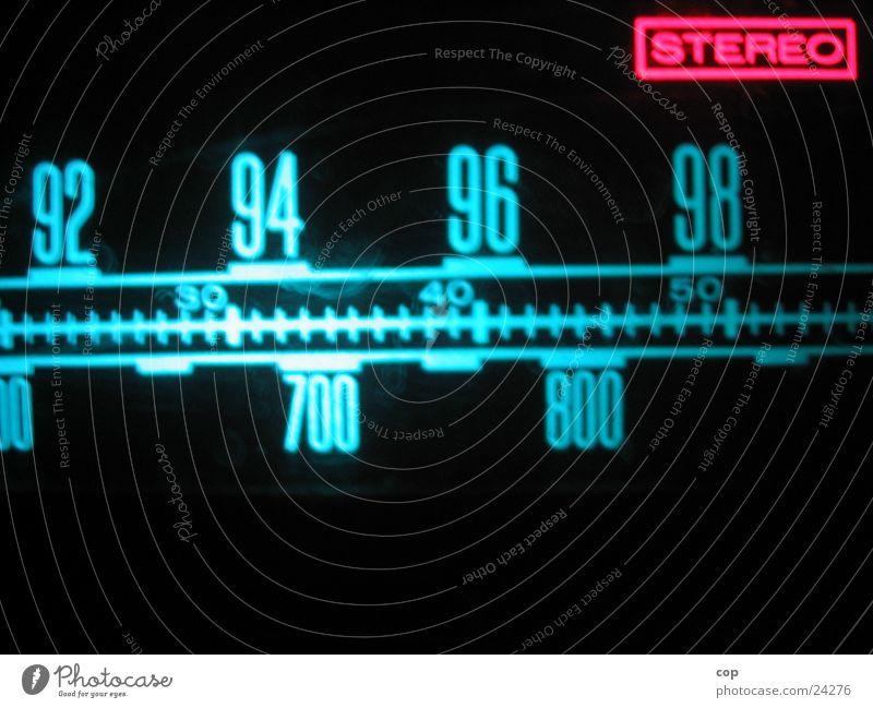 95.1 stereo Frequenz TFT-Bildschirm Licht rot Fototechnik Radio Begrüßung Beleuchtung blau Anzeige