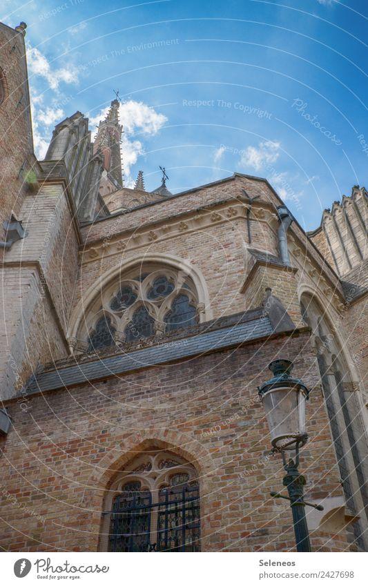 Brügge Tourismus Ausflug Sightseeing Städtereise Sommer Sommerurlaub Himmel Wolken Stadt Altstadt Kirche Dom Bauwerk Gebäude Architektur Mauer Wand Fassade