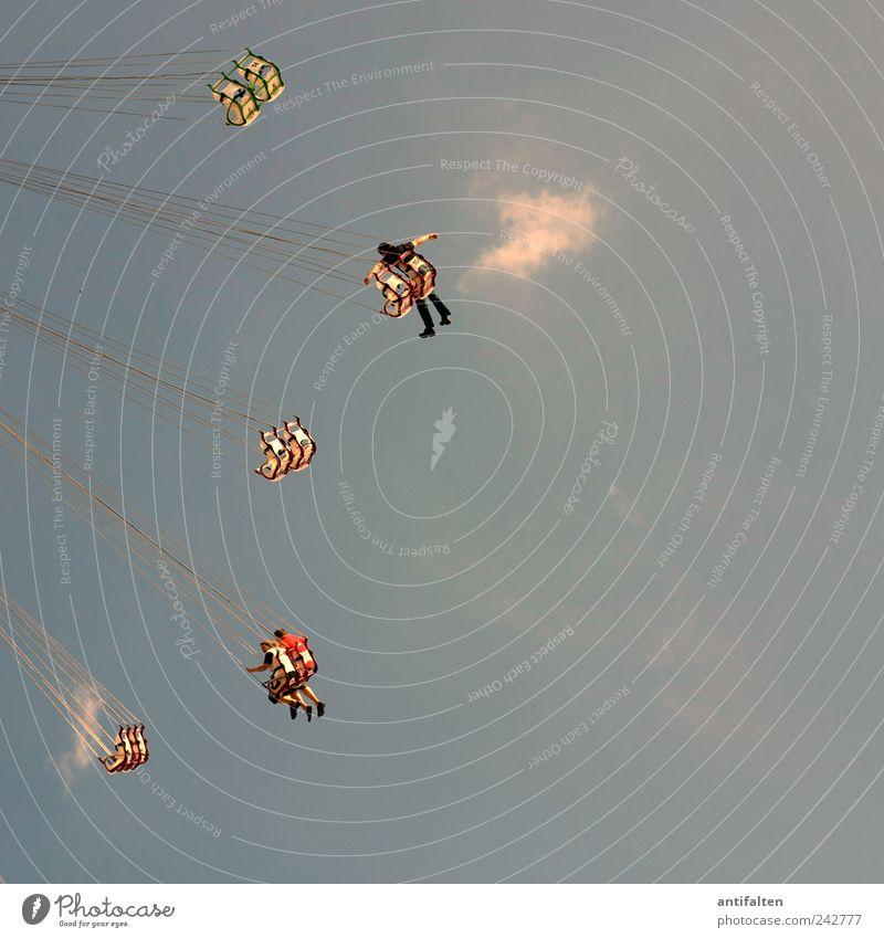 Nur Fliegen ist schöner Mensch Himmel Natur Mann blau Sommer Freude Wolken Erwachsene grau Glück Menschengruppe Beine Feste & Feiern Rücken Freizeit & Hobby