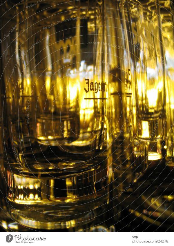 Allohol gelb Glas Getränk Bar Alkohol
