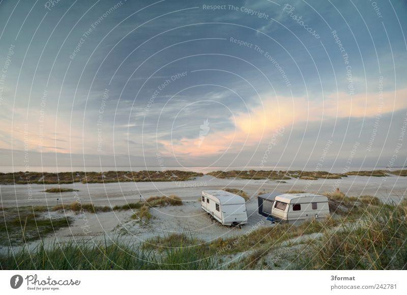 WOHNWAGEN Himmel Natur blau Strand Ferien & Urlaub & Reisen Meer Wolken Einsamkeit Ferne Freiheit Glück Sand Küste Zufriedenheit Horizont Tourismus