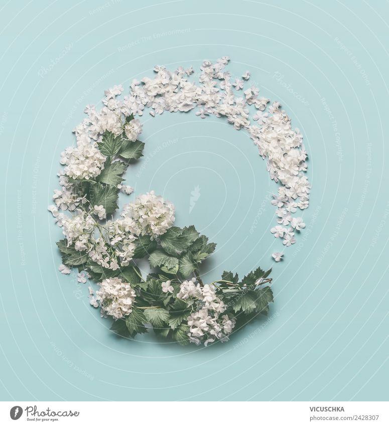 Runde Blumen Rahmen auf hellblau Stil Design Sommer Feste & Feiern Muttertag Hochzeit Geburtstag Natur Pflanze Blatt Blüte Dekoration & Verzierung Blumenstrauß