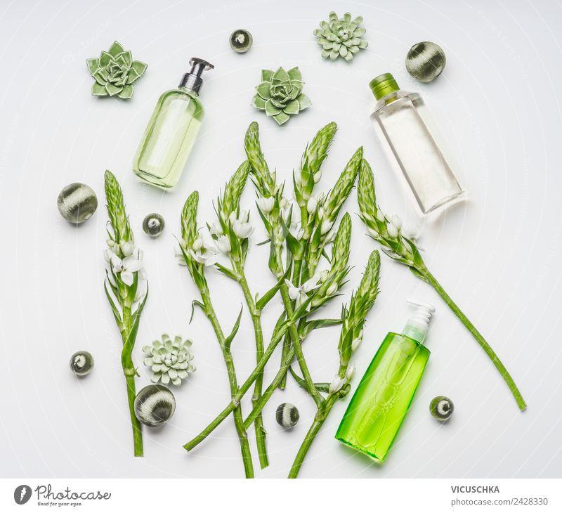 Grüne Natur Kosmetik Flaschen Composing kaufen elegant Stil Design schön Körperpflege Parfum Creme Gesundheit Behandlung Wellness Spa Pflanze Blume Blüte
