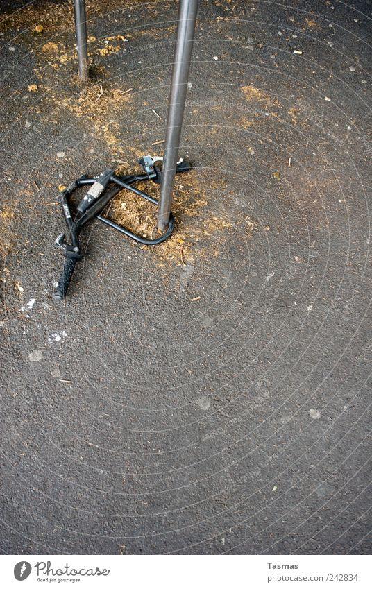 I want to ride Your bicycle Fahrrad Fahrradlenker Schloss entwenden Diebstahl Diebstahlsicher Schlüssel authentisch Sicherheit Schutz Überraschung betrügen dumm