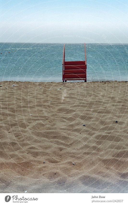 Wassertaxi verpasst Sommer Strand Meer Küste Wellen Horizont warten Treppe Insel Hoffnung Unendlichkeit heiß Sehnsucht Fernweh Surrealismus Erwartung