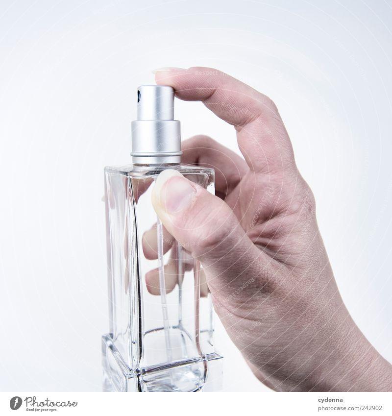 Geruchsneutral Mensch Hand schön Stil Design leer festhalten Duft Körperpflege Geruch drücken Freisteller sprühen Parfum Vor hellem Hintergrund