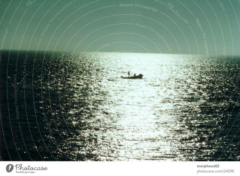 Einsamkeit Reflexion & Spiegelung Meer Kapitän Wasserfahrzeug Schatten