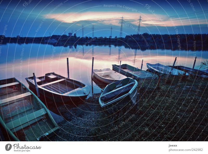 Anlegerparadies Angeln Wasser Himmel Wolken Schönes Wetter Seeufer Ruderboot schön blau grün rosa ruhig Idylle Farbfoto Gedeckte Farben Außenaufnahme